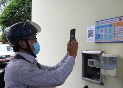 Tích cực triển khai các ứng dụng công nghệ bắt buộc trong phòng, chống Covid-19