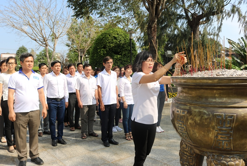 """""""Return to roots"""" activities held for the labor union members and youth"""