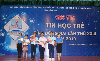 242 contestants participated in Dong Nai Teenagers Informatics Contest 2019